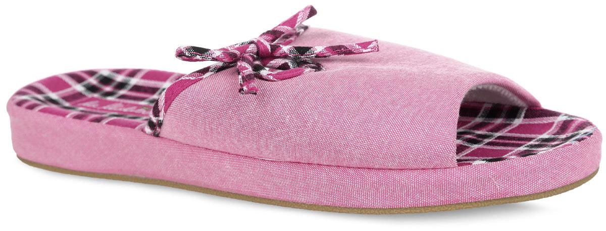 Тапки женские. 511F185511F185_рНевероятно удобные женские тапочки от Lamaliboo, выполненные из текстиля, помогут отдохнуть вашим ногам после трудового дня. Внешняя сторона изделия оформлена резным вырезом и милым бантиком. Подкладка и стелька, изготовленные из текстиля, комфортны при ходьбе. Стелька дополнена супинатором, который предназначен для уменьшения нагрузки на свод стопы. Верхняя поверхность подошвы, кант и декоративный элемент украшены принтом в клетку. Подошва с рельефным протектором обеспечивает сцепление с любыми поверхностями. Такие тапочки придутся вам по душе.