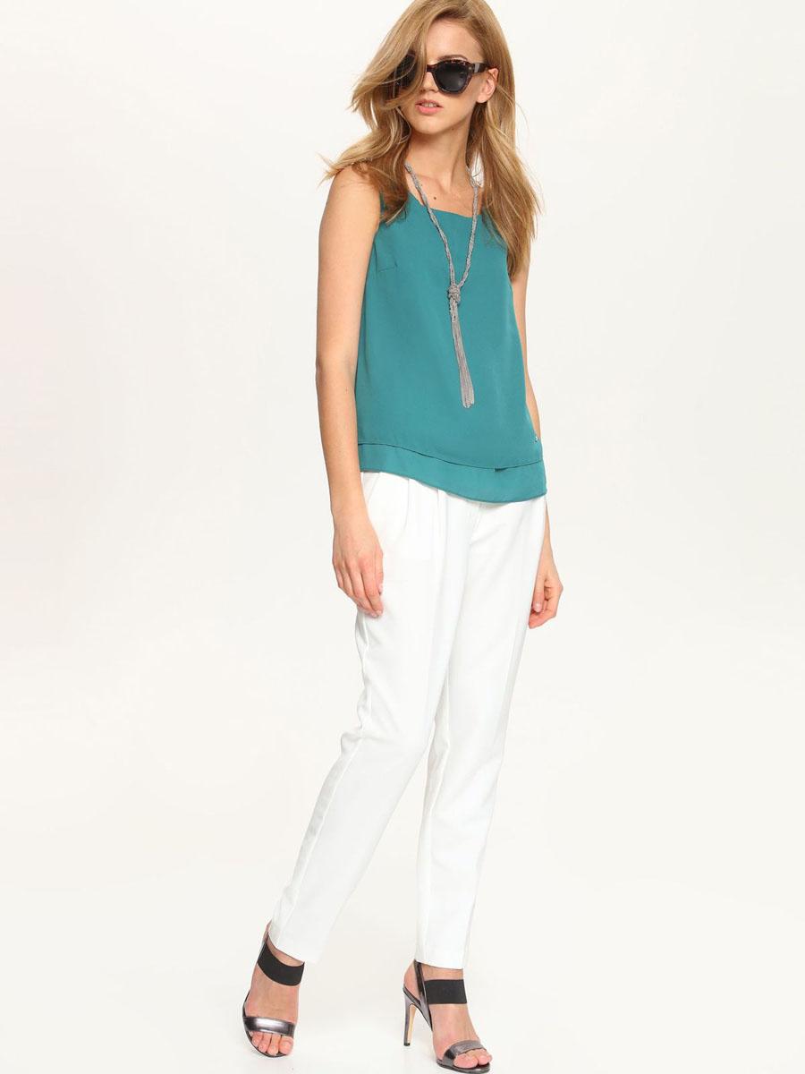 БлузкаSBW0237ZI[E]Модная женская блузка Top Secret, изготовленная из полиэстера, приятная на ощупь, не сковывает движений и обеспечивает наибольший комфорт. Модель свободного кроя с вырезом горловины лодочка и без рукавов выполнена в лаконичном стиле.