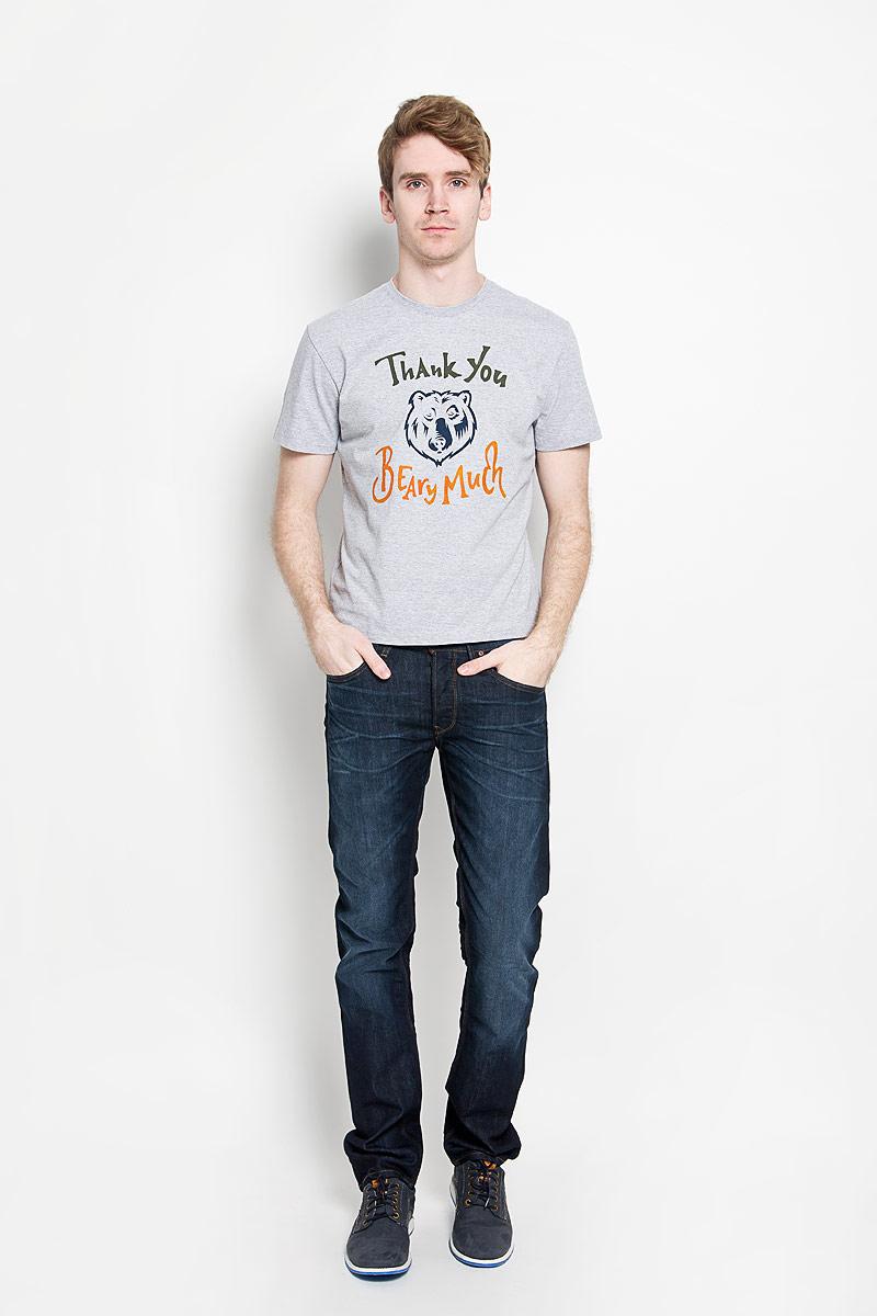 160017_02285/Beary mach, TR Melange, grey melangeМужская футболка F5, изготовленная из натурального хлопка с добавлением полиэстера, прекрасно подойдет для повседневной носки. Материал очень мягкий и приятный на ощупь, не сковывает движения и позволяет коже дышать. Модель с короткими рукавами и круглым вырезом горловины оформлена оригинальным принтом с надписями на английском языке. Такая модель будет дарить вам комфорт в течение всего дня и станет отличным дополнением к вашему гардеробу.