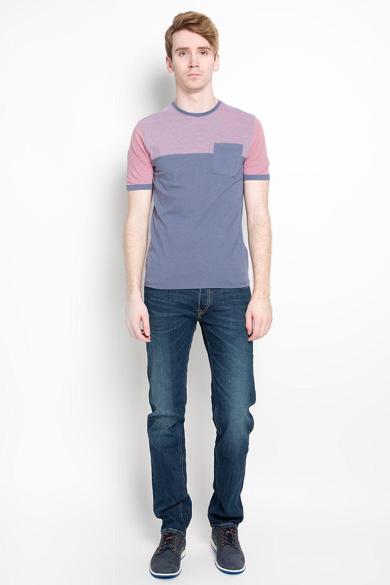 Футболка мужская. JJT-161-21033-U1JJT-161-21033-U1Стильная мужская футболка John Jeniford, выполненная из высококачественного 100% хлопка, обладает высокой воздухопроницаемостью и гигроскопичностью, позволяет коже дышать. Такая футболка великолепно подойдет как для повседневной носки, так и для спортивных занятий. Модель с короткими рукавами и круглым вырезом горловины станет идеальным вариантом для создания модного современного образа. Спереди верх изделия оформлен принтом в полоску. На груди предусмотрен накладной карман. Такая модель подарит вам комфорт в течение всего дня и послужит замечательным дополнением к вашему гардеробу.