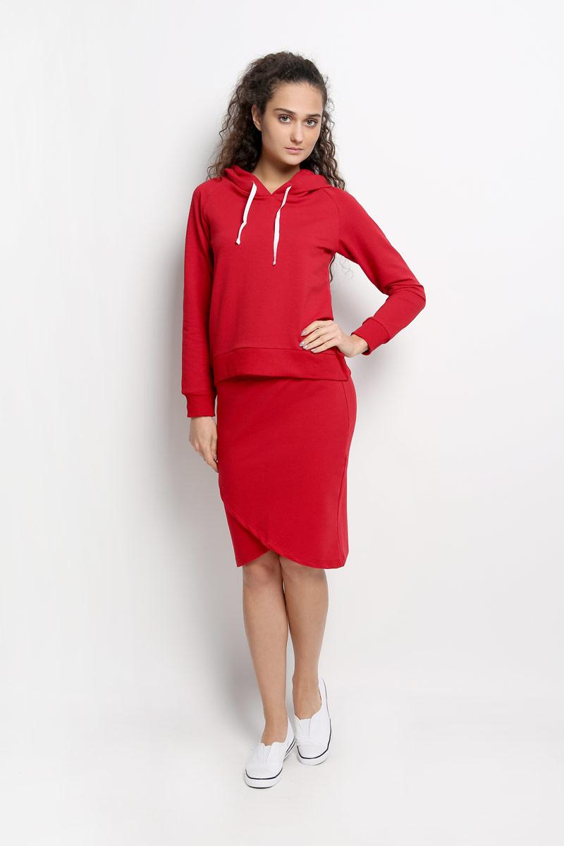 Комплект женский: толстовка, юбка. R011634R011634Женский комплект одежды Rocawear состоит из толстовки и юбки. Комплект изготовлен из приятного на ощупь высококачественного комбинированного материала на основе хлопка с добавлением полиэстера и лайкры. Все элементы комплекта превосходно сидят, не сковывают движения, великолепно пропускают воздух и позволяют коже дышать даже во время занятий спортом. Оригинальная юбка оформлена запахом спереди, на талии дополнена широкой эластичной резинкой. Толстовка с капюшоном и длинными рукавами-реглан имеет удлиненную спинку. Объем капюшона регулируется при помощи шнурка-кулиски. Низ и манжеты рукавов толстовки дополнены широкими трикотажными резинками. Этот практичный и модный комплект - настоящее воплощение комфорта. В нем вы всегда будете чувствовать себя удобно и уютно.