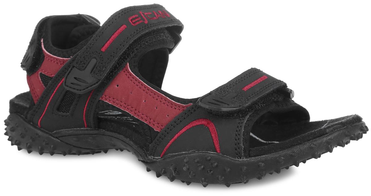ES660163-1Удобные сандалии Escan прекрасно подойдут для активного отдыха. Верх модели выполнен из искусственной кожи. Ремешки на застежках-липучках с дополнительной поддержкой пяточной части надежно зафиксируют обувь на ноге. Ремешок на подъеме оформлен вышивкой в виде названия бренда. Внутренняя поверхность обуви выполнена из текстиля. Резиновая подошва с рельефным рисунком обеспечивает отличное сцепление с любыми поверхностями. Такие сандалии займут достойное место среди коллекции вашей обуви.