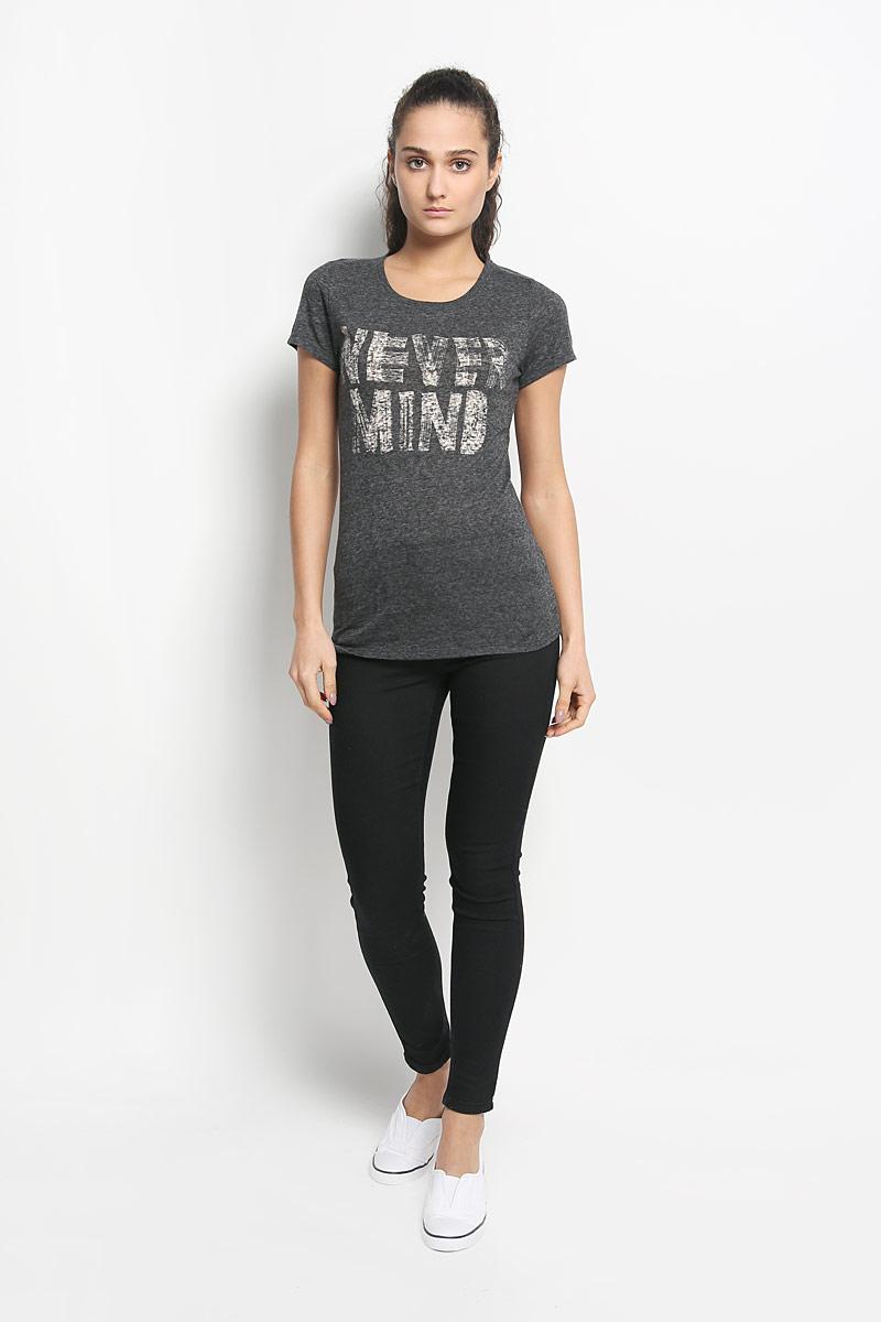 607338-1010Стильная женская футболка ONeill, выполненная из натурального хлопка и полиэстера с добавлением вискозы, обладает высокой теплопроводностью, воздухопроницаемостью и гигроскопичностью, позволяет коже дышать и обеспечивает прохладу даже в жаркие летние дни. Модель с короткими рукавами и круглым вырезом горловины - идеальный вариант для создания образа в стиле Casual. Легкая футболка оформлена надписью Never Mind. Горловина изделия дополнена трикотажной резинкой. Низ футболки оформлен небольшой металлической брендовой нашивкой. Такая модель подарит вам комфорт в течение всего дня и послужит замечательным дополнением к вашему гардеробу.