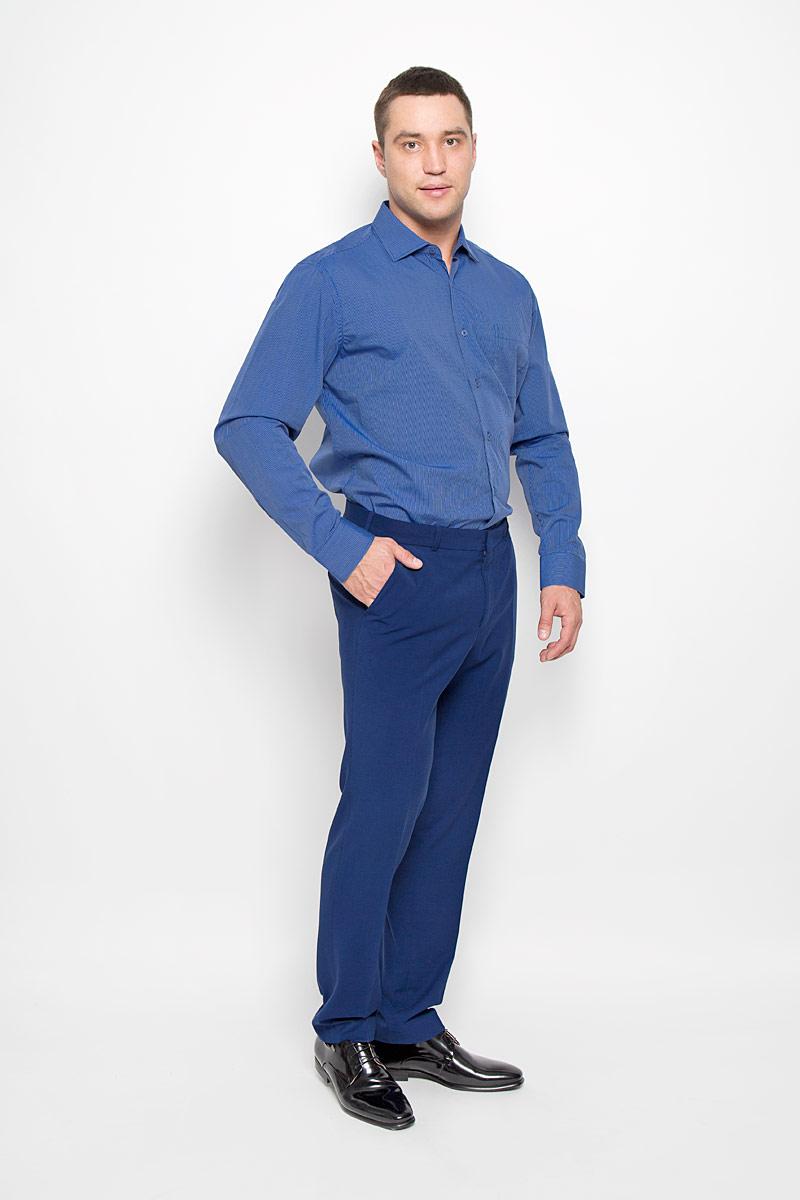 РубашкаSW 72-06Стильная мужская рубашка KarFlorens, выполненная из хлопка с добавлением микрофибры, подчеркнет ваш уникальный стиль и поможет создать оригинальный образ. Такой материал великолепно пропускает воздух, обеспечивая необходимую вентиляцию, а также обладает высокой гигроскопичностью. Рубашка с длинными рукавами и отложным воротником застегивается на пуговицы спереди. Рукава рубашки дополнены манжетами, которые также застегиваются на пуговицы. Модель оформлена узором в мелкую узкую полоску и дополнена накладным нагрудным карманом. Классическая рубашка - превосходный вариант для базового мужского гардероба. Такая рубашка будет дарить вам комфорт в течение всего дня и послужит замечательным дополнением к вашему гардеробу.