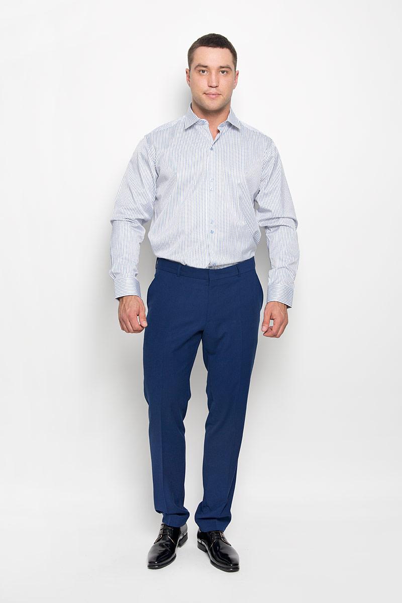SW 59-01Стильная мужская рубашка KarFlorens, выполненная из хлопка с добавлением микрофибры, подчеркнет ваш уникальный стиль и поможет создать оригинальный образ. Такой материал великолепно пропускает воздух, обеспечивая необходимую вентиляцию, а также обладает высокой гигроскопичностью. Рубашка с длинными рукавами и отложным воротником застегивается на пуговицы спереди. Рукава рубашки дополнены манжетами, которые также застегиваются на пуговицы. Модель оформлена узором в полоску. Классическая рубашка - превосходный вариант для базового мужского гардероба. Такая рубашка будет дарить вам комфорт в течение всего дня и послужит замечательным дополнением к вашему гардеробу.