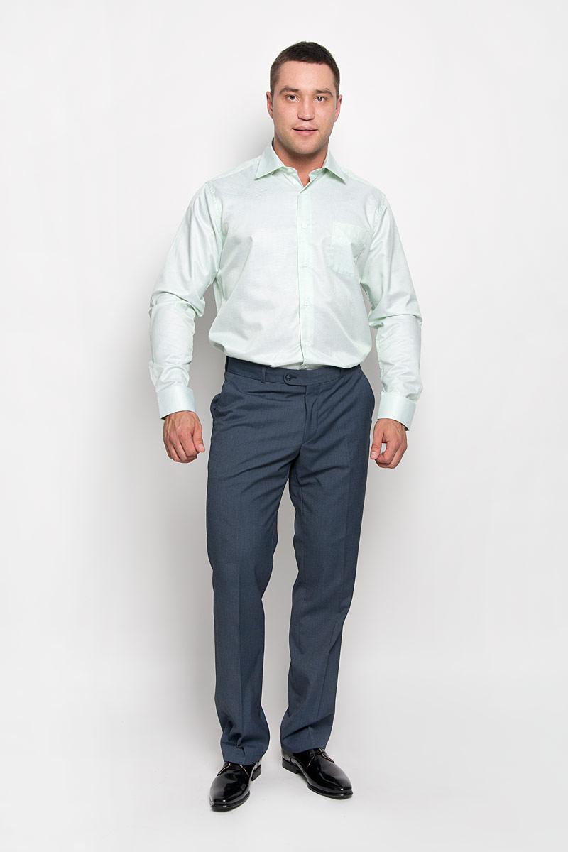 РубашкаSW 74-01Стильная мужская рубашка KarFlorens, выполненная из хлопка с добавлением микрофибры, подчеркнет ваш уникальный стиль и поможет создать оригинальный образ. Рубашка с длинными рукавами и отложным воротником застегивается на пуговицы спереди. Рукава рубашки дополнены манжетами, которые также застегиваются на пуговицы. Модель оформлена узором в мелкую клетку и дополнена одним нагрудным карманом. Классическая рубашка - превосходный вариант для базового мужского гардероба. Такая рубашка будет дарить вам комфорт в течение всего дня и послужит замечательным дополнением к вашему гардеробу.