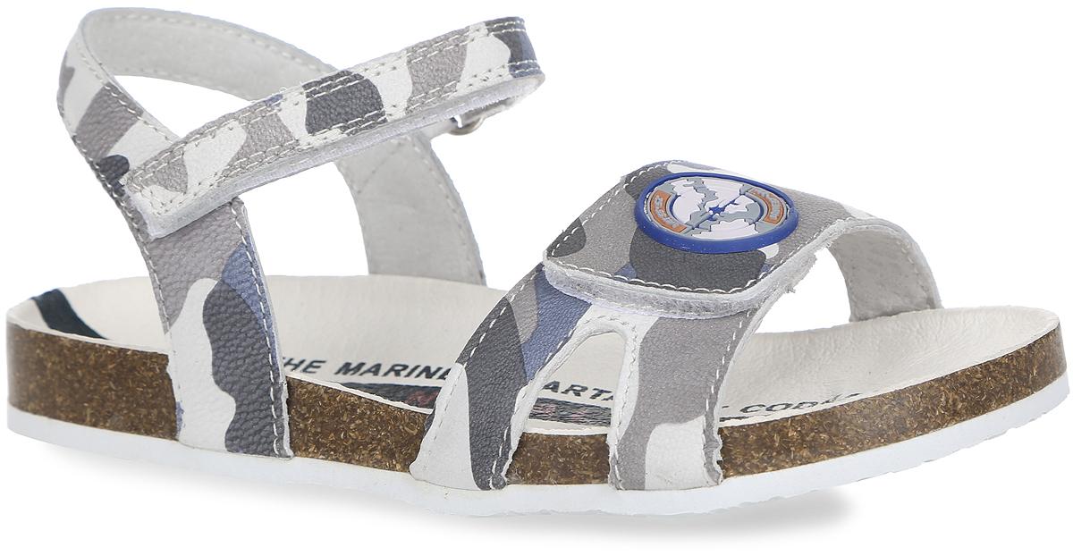 Сандалии для девочки. 32230-132230-1Модные сандалии от Kapika покорят свои удобством! Модель выполнена из натуральной кожи и оформлена принтом в стиле милитари, на переднем ремешке - прорезиненной нашивкой. Ремешки на застежках-липучках обеспечивают оптимальную посадку обуви на ноге, не давая ей смещаться из стороны в сторону и назад. Кожаная стелька оформлена модным принтом. Подошва с рифленым протектором обеспечивает идеальное сцепление с любой поверхностью. Стильные и практичные сандалии займут достойное место в гардеробе вашей девочки!