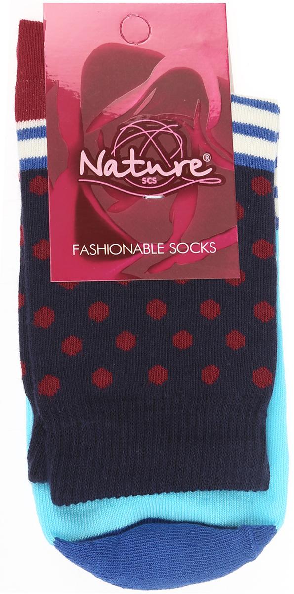 Носки822жУдобные женские носки Nature, изготовленные из высококачественного комбинированного материала, идеально подойдут для повседневной носки. Благодаря содержанию мягкого хлопка в составе, кожа сможет дышать, полиамид обеспечивает износостойкость, а эластан позволяет носочкам легко тянуться, что делает их комфортными в носке. Эластичная резинка плотно облегает ногу, не сдавливая ее, обеспечивая комфорт и удобство и не препятствуя кровообращению. Практичные и комфортные носки с укрепленным мыском и пяткой великолепно подойдут к вашей повседневной обуви.