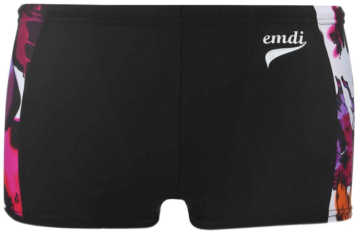 Плавки-шорты мужские. 07-0610-20007-0610-200_01Мужские плавки-шорты Emdi, изготовленные из эластичного полиамида, быстро сохнут и сохраняют первоначальный вид и форму даже при длительном использовании. Удобная посадка, плоские швы и широкая резинка на талии, регулируемая скрытым шнурком, обеспечат наибольший комфорт. Оформлено изделие контрастными боковыми вставками и термоаппликацией в виде названия бренда. Модель создана для тех, кто предпочитает удобство, практичность и современный дизайн. Плавки-шорты подходят как для занятий спортом, так и для пляжного отдыха.