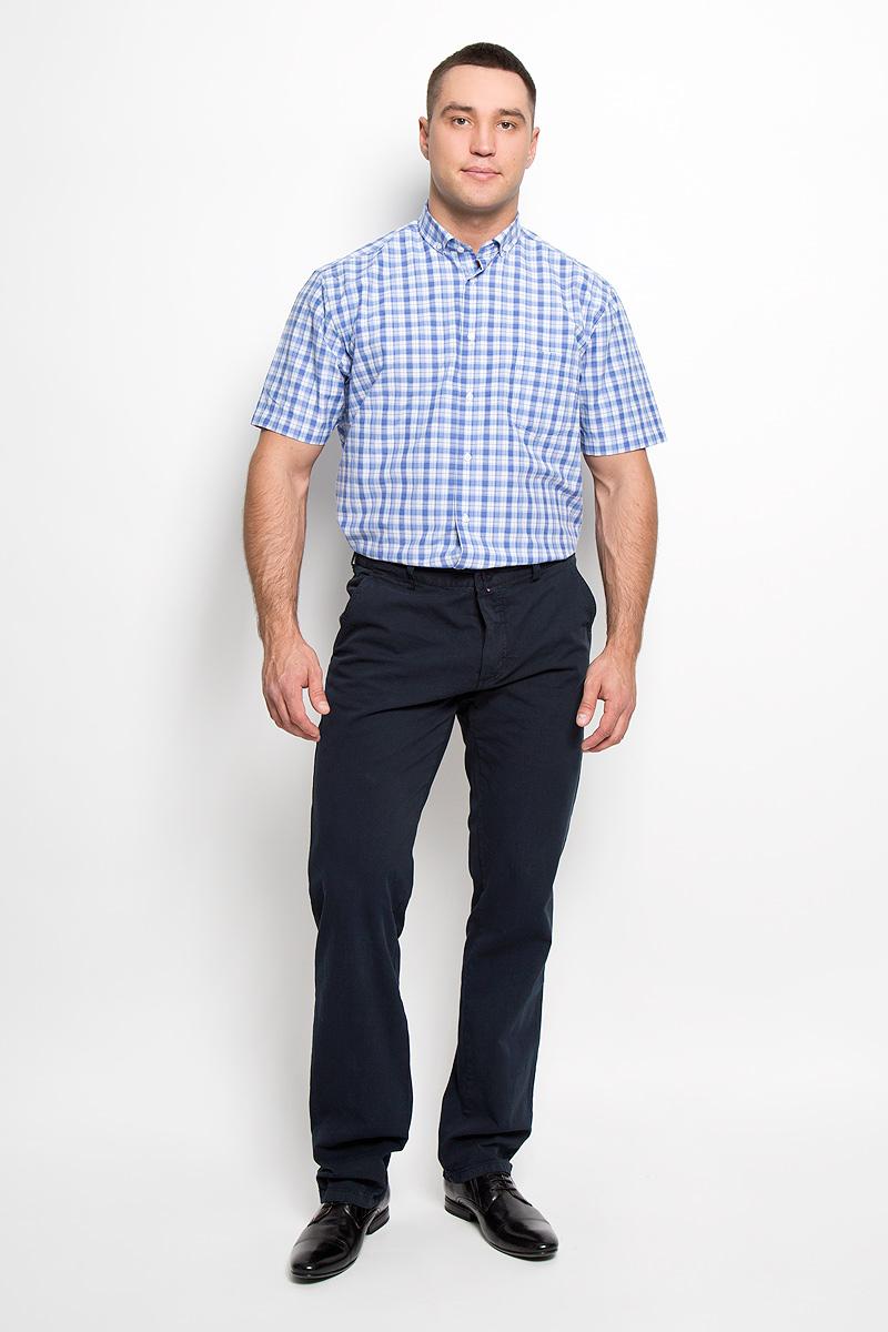 Рубашка мужская. JJ-k-1011-SL24-U2JJ-k-1011-SL24-U2Мужская рубашка John Jeniford, выполненная из хлопка с добавлением полиэстера, прекрасно подойдет для повседневной носки. Материал очень легкий, мягкий и приятный на ощупь, не сковывает движения и позволяет коже дышать. Рубашка классического кроя с отложным воротником и короткими рукавами застегивается на пластиковые пуговицы. На груди предусмотрен накладной карман. Рубашка оформлена актуальным принтом в клетку. Такая модель будет дарить вам комфорт в течение всего дня и станет стильным дополнением к вашему гардеробу.