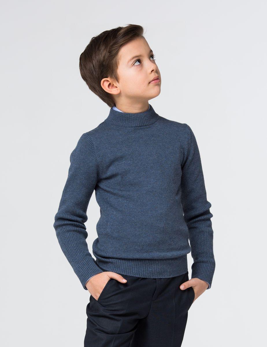 СвитерSSFSB-627-14930-311Модный свитер для мальчика Silver Spoon, изготовленный из вискозы и полиамида с добавлением хлопка и кашемира, мягкий и приятный на ощупь, не сковывает движений и обеспечивает комфорт. Воротник-стойка, рукава, боковые стороны и низ свитера связаны узором резинка.