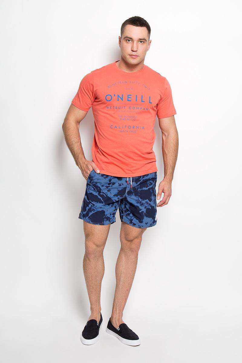 Футболка602348-3082Стильная мужская футболка ONeill, выполненная из высококачественного хлопка, обладает высокой воздухопроницаемостью и гигроскопичностью, позволяет коже дышать. Такая футболка великолепно подойдет как для повседневной носки, так и для спортивных занятий. Модель с короткими рукавами и круглым вырезом горловины - идеальный вариант для создания модного современного образа. Футболка оформлена принтом с логотипом ONeill и надписями на английском языке. Такая модель подарит вам комфорт в течение всего дня и послужит замечательным дополнением к вашему гардеробу.
