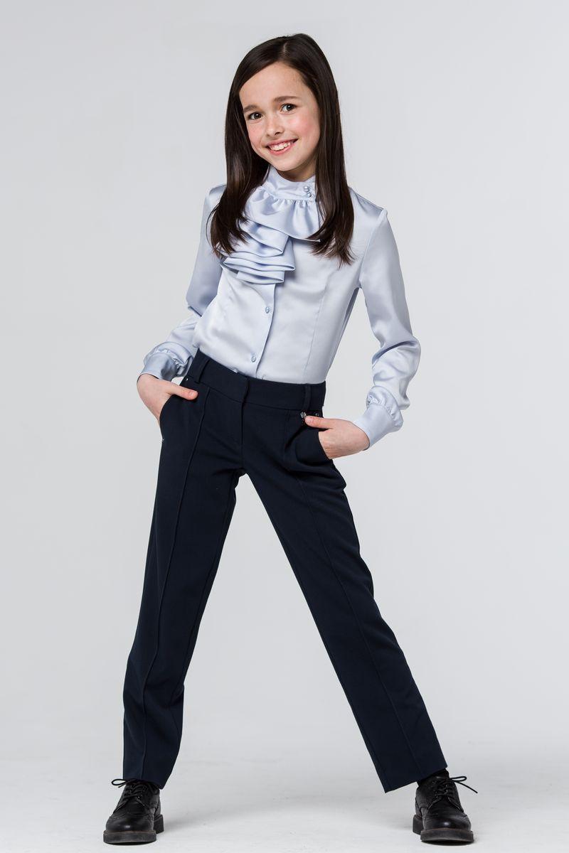 SSFSG-629-26030-306Стильные брюки Silver Spoon станут отличным дополнением к школьному гардеробу вашей девочки. Модель изготовлена из полиэстера с добавлением вискозы и эластана. Брюки прямого кроя и стандартной посадки застегиваются на два крючка в поясе и ширинку на застежке-молнии. На поясе имеются шлевки для ремня. С внутренней стороны пояс дополнен регулируемой эластичной резинкой, которая позволяет подогнать модель по фигуре. Спереди брюки дополнены двумя втачными карманами, сзади - имитацией двух прорезных карманом с клапанами.