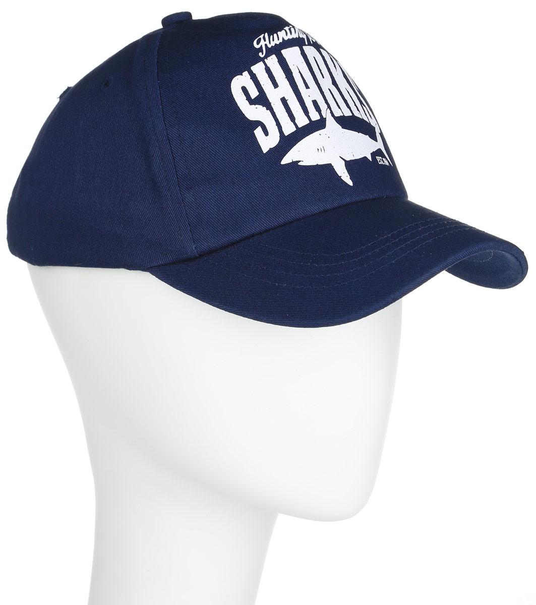 CAP-841/252-6102Бейсболка для мальчика Sela защитит голову вашего мальчика от солнца и сильного ветра. Изготовленная из натурального хлопка, она не раздражает даже самую нежную и чувствительную кожу ребенка и хорошо вентилируется. Модель дополнена твердым козырьком. Обхват бейсболки регулируется с помощью хлястика с липучкой. Модель украшена изображением акулы и принтовыми надписями. Оригинальный дизайн и расцветка делают эту бейсболку модным и стильным предметом детского гардероба. В ней ваш маленький модник всегда будет в центре внимания!
