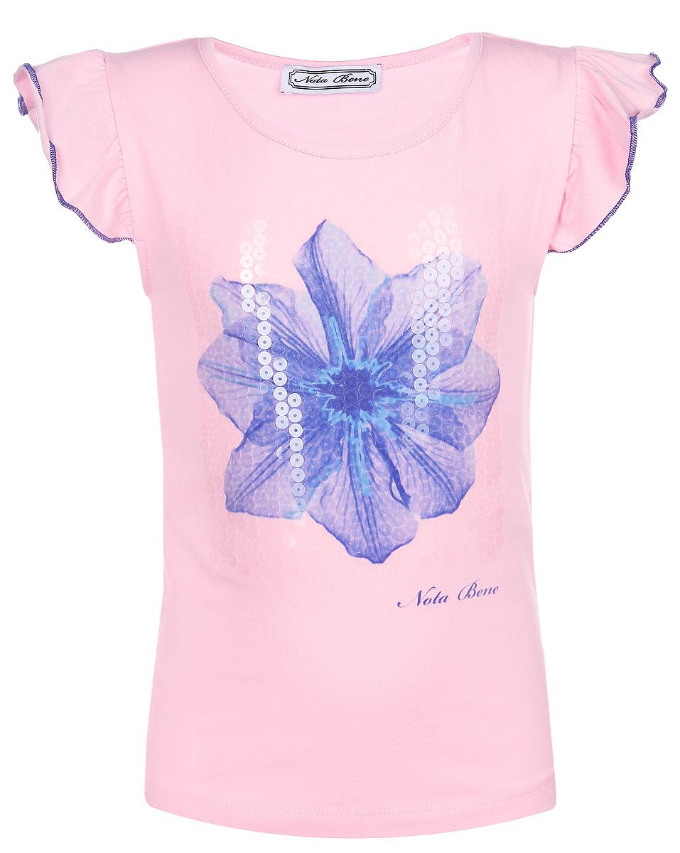 ФутболкаSS161G5344-5Красивая футболка для девочки Nota Bene станет отличным дополнением к детскому гардеробу. Изготовленная из эластичного хлопка, она мягкая, тактильно приятная, не сковывает движения и хорошо пропускает воздух, обеспечивая комфорт. Футболка с круглым вырезом горловины и короткими рукавами-крылышками украшена спереди крупным изображением цветка и небольшой принтовой надписью, содержащей название бренда. Рукава по краям оформлены контрастной прострочкой. Изделие декорировано прозрачными пайетками. В такой футболке ваша маленькая принцесса будет чувствовать себя комфортно, уютно и всегда будет в центре внимания!