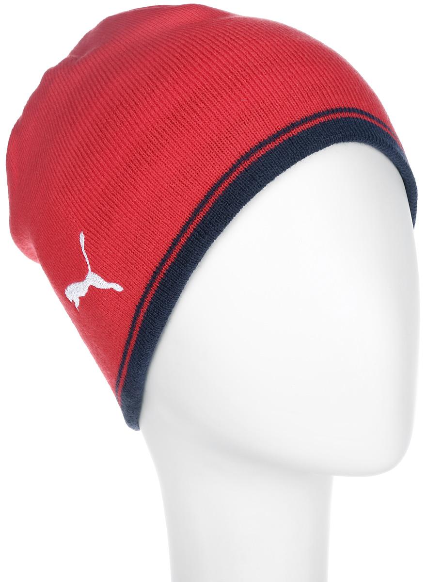 Шапка мужская AFC Performance Beanie747635011Стильная мужская шапка Puma AFC Performance Beanie идеально подойдет для прогулок в холодное время года и непременно понравится поклонникам футбольного клуба Arsenal. Изготовленная из мягкого высококачественного материала, она обладает хорошими дышащими свойствами и отлично удерживает тепло. Шапка двухсторонняя, одна сторона ее однотонная, другая оформлена принтом в полоску. Обе стороны дополнены нашивкой в виде логотипа футбольного клуба и эмблемой Puma. Такая шапка станет модным и стильным дополнением вашего зимнего гардероба. Она поднимет вам настроение даже в самые морозные дни!