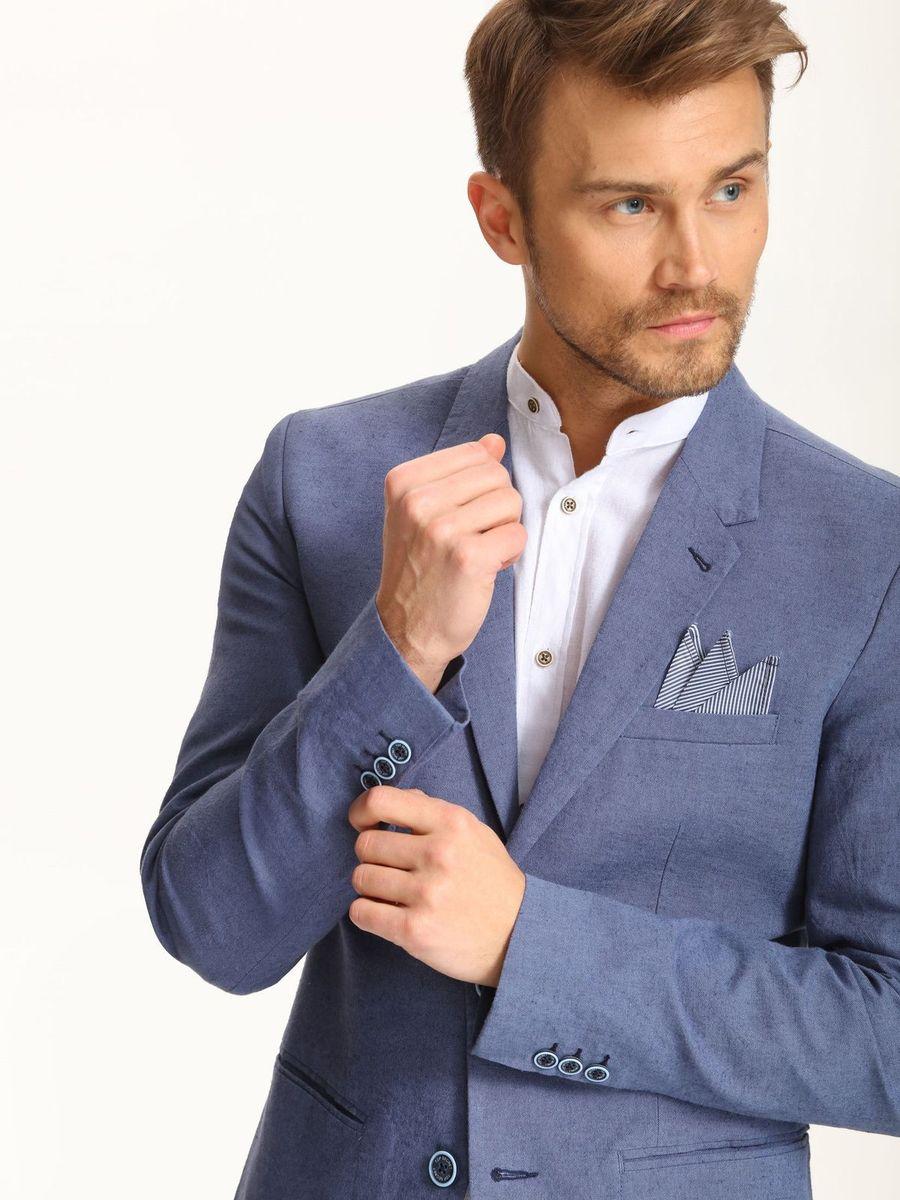 ПиджакSMR0235GRМужской пиджак Top Secret выполнен их льна и хлопка. Изделие частично дополнено подкладкой из полиэстера. Модель с отложным воротником с лацканами застегивается на две пуговицы. Низ рукавов декорирован пуговицами. Спереди расположено три прорезных кармана, один из которых расположен на груди, а с внутренней стороны - два прорезных кармана, один из которых на пуговице. В среднем шве спинки расположена шлица.