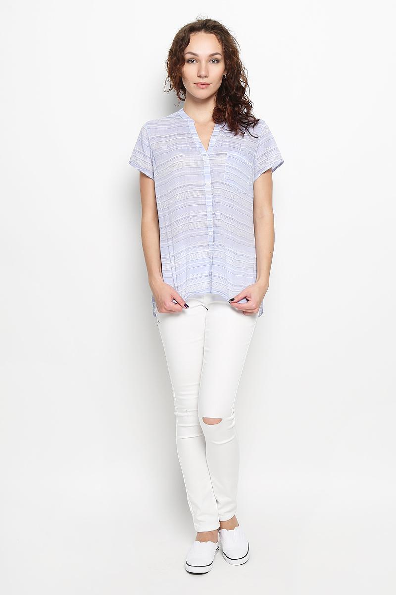Рубашка женская Sun Drif ter SS Shirt. 1578261-5481578261-548Стильная женская рубашка Columbia Sun Drif ter SS Shirt, выполненная из натурального хлопка, прекрасно подойдет для повседневной носки. Материал очень мягкий и приятный на ощупь, не сковывает движения и позволяет коже дышать. Классическая рубашка с V-образным вырезом горловины и короткими рукавами застегивается на пуговицы по всей длине. Спереди модель дополнена небольшим накладным карманом. Сзади рубашка удлинена и дополнена складками. Изделие оформлено принтом в полоску. Такая рубашка будет дарить вам комфорт в течение всего дня и станет модным дополнением к вашему гардеробу.