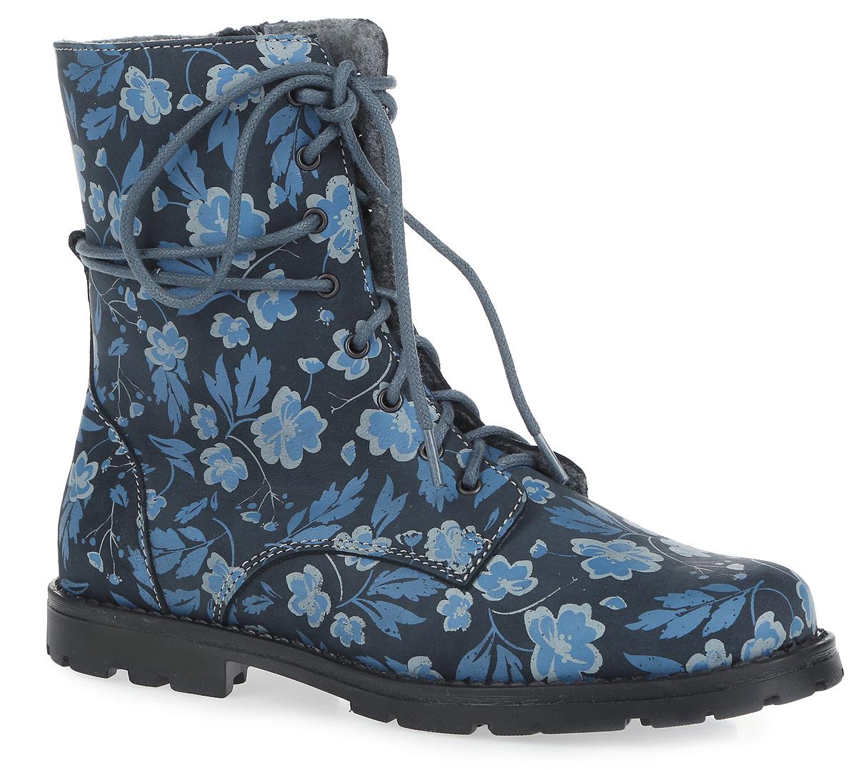 Ботинки для девочки. 652069-3652069-32Ультрамодные ботинки от Котофей придутся по душе вашей маленькой моднице. Модель выполнена из натурального нубука и оформлена по верху цветочным принтом. Боковая застежка-молния позволяет легко обувать и снимать ботинки, а функциональная шнуровка, пропущенная через ярлычок в задней части, обеспечивает идеальную фиксацию обуви на стопе. Подкладка, изготовленная из полушерстяной байки, и съемная войлочная стелька со специальной петлей не дадут ногам замерзнуть и гарантируют уют. Невысокий широкий каблук и подошва с рельефным протектором обеспечивают идеальное сцепление с любой поверхностью. Такие ботинки займут достойное место среди коллекции обуви вашего ребенка.