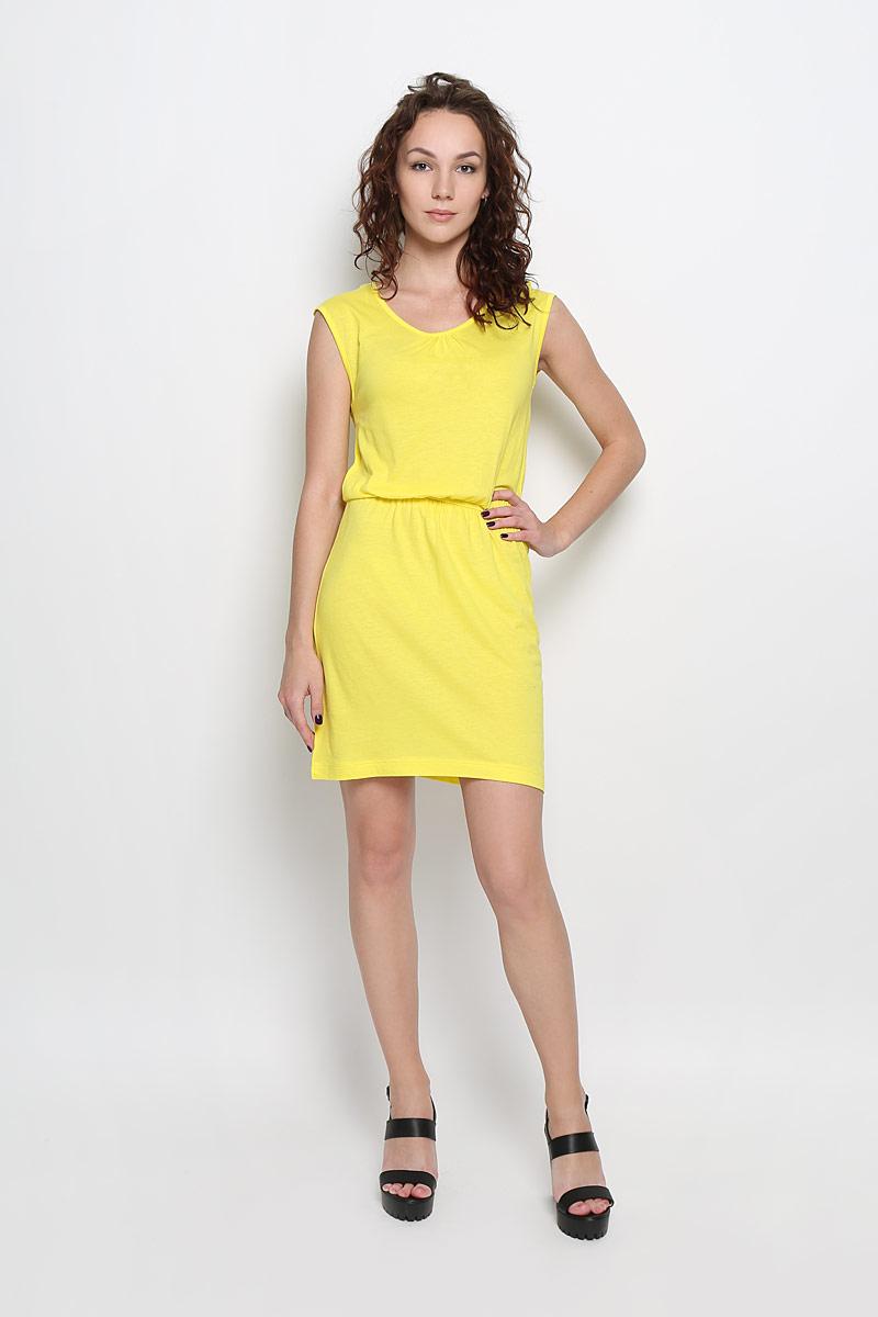 ПлатьеDksl-117/831-6226Яркое платье Sela Casual поможет создать привлекательный женственный образ. Изделие выполнено из хлопка и вискозы, очень мягкое, приятное к телу, не сковывает движения и хорошо вентилируется. Модель с круглым вырезом горловины дополнена по спинке кружевной вставкой. Линию талии подчеркивает эластичная резинка. Это эффектное платье займет достойное место в вашем гардеробе!