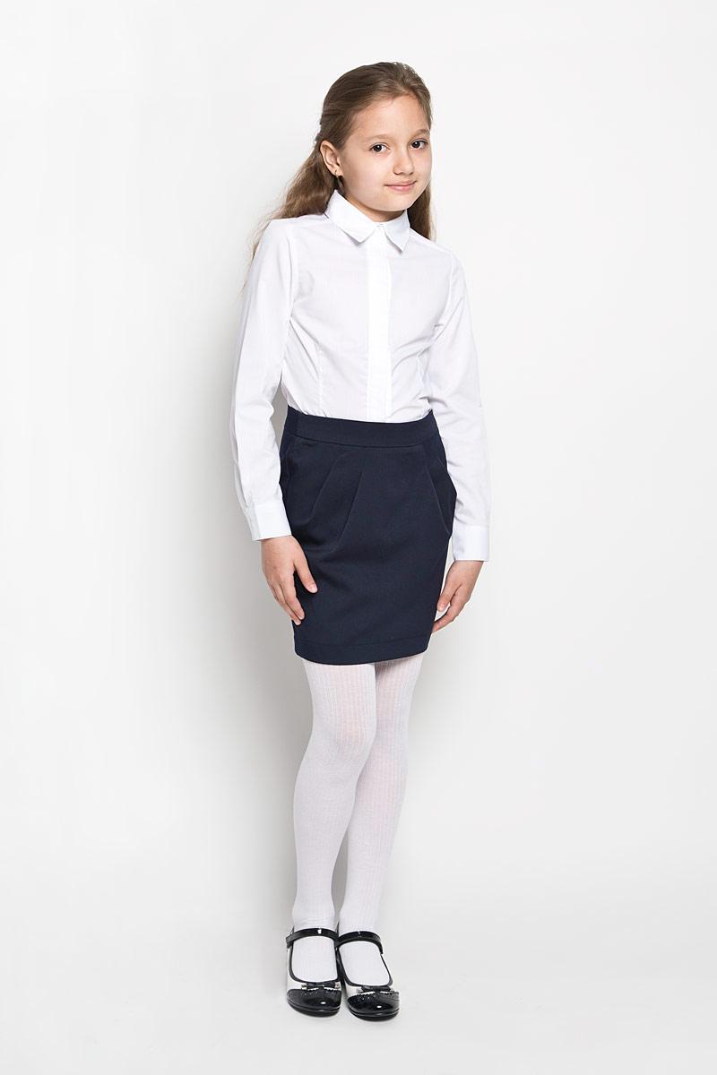 64417_OLGСтильная юбка для девочки Orby School идеально подойдет для школы и повседневной носки. Изготовленная из полиэстера и вискозы с добавлением эластана, она необычайно мягкая и приятная на ощупь, не сковывает движения и позволяет коже дышать, не раздражает даже самую нежную и чувствительную кожу ребенка, обеспечивая наибольший комфорт. Материал не скатывается и легко гладиться. Юбка-миди застегивается сзади на потайную застежку-молнию и имеет в поясе скрытую эластичную резинку на пуговицах, с помощью которой можно изделие подгонять по фигуре. Спереди модель дополнена оригинальными складками, а сзади небольшой шлицей. Такая юбка станет отличным дополнением к гардеробу вашей девочки. В ней она всегда будет чувствовать себя уверенно и удобно.