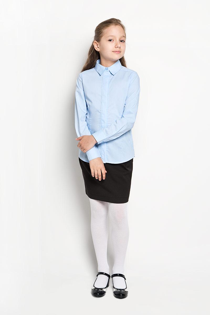 Блузка для девочки School. 64209_OLG64209_OLGЭлегантная блузка для девочки Orby School идеально подойдет для школы. Изготовленная из полиэстера с добавлением хлопка, она необычайно мягкая, легкая и приятная на ощупь, не сковывает движения и позволяет коже дышать, не раздражает даже самую нежную и чувствительную кожу ребенка, обеспечивая наибольший комфорт. Блузка приталенного силуэта с отложным воротником и длинными рукавами застегивается на пуговицы скрытые под планкой. Рукава дополнены неширокими манжетами на пуговицах. Такая блузка - незаменимая вещь для школьной формы, отлично сочетается с юбками, брюками и сарафанами. Эта модель всегда выглядит великолепно!