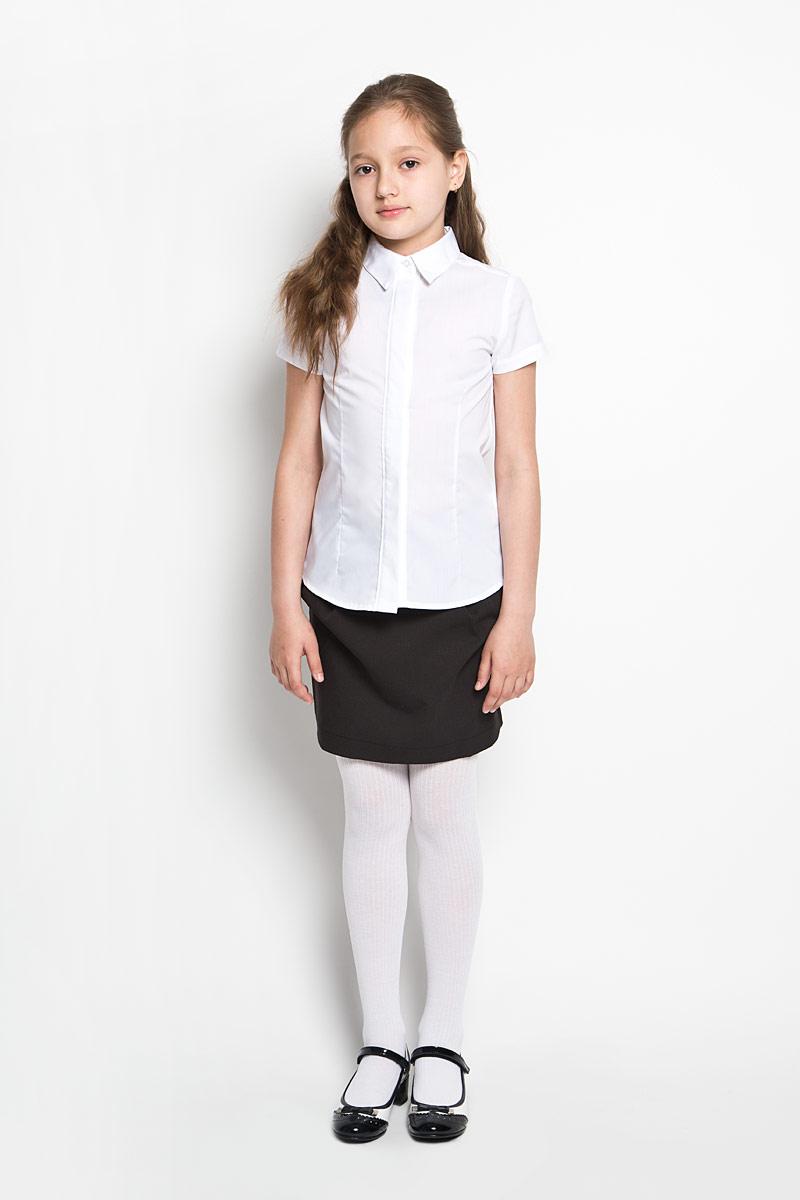 64165_OLGЭлегантная блузка для девочки Orby School идеально подойдет для школы. Изготовленная из полиэстера с добавлением хлопка, она необычайно мягкая, легкая и приятная на ощупь, не сковывает движения и позволяет коже дышать, не раздражает даже самую нежную и чувствительную кожу ребенка, обеспечивая наибольший комфорт. Блузка приталенного силуэта с отложным воротником и короткими рукавами застегивается на пуговицы скрытые под планкой. Такая блузка - незаменимая вещь для школьной формы, отлично сочетается с юбками, брюками и сарафанами. Эта модель всегда выглядит великолепно!