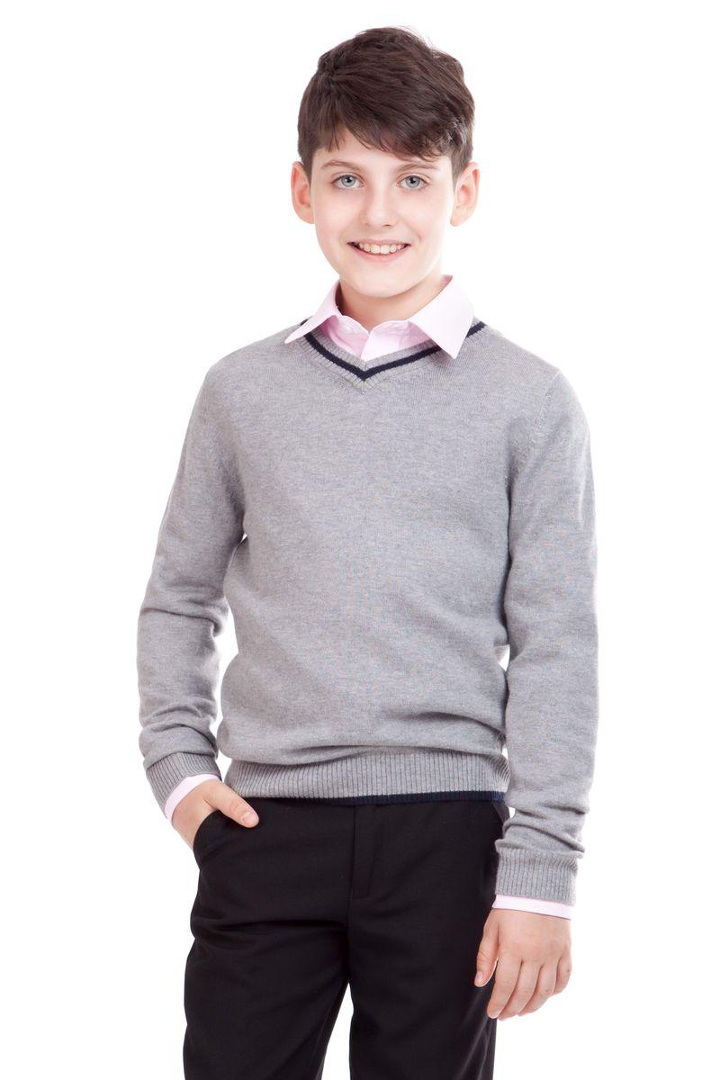21501BSC3401Уютный вязаный джемпер для школы выглядит красиво и достойно. А в прохладные дни он будет просто незаменим! Сложный состав пряжи делает школьный джемпер для мальчика мягким, приятным, комфортным в носке. В отделке джемпера контрастные налокотники, пластрон из орнаментальной ткани и небольшая вышивка с монограммой GSC (Gulliver School Collection).
