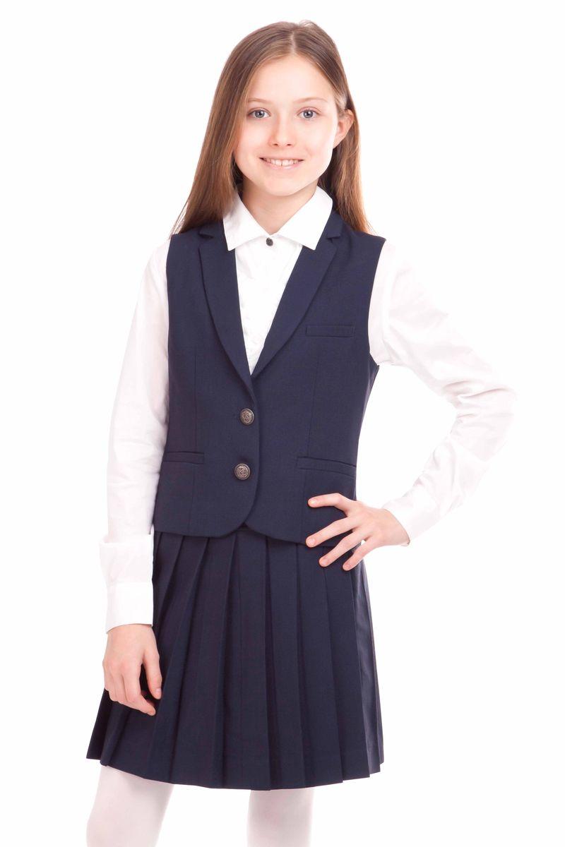 21502GSC4702Классический школьный жилет для девочки - привычный атрибут повседневной жизни. Он подчеркивает деловой имидж ученицы, придавая ей уверенность. Хороший состав ткани с содержанием шерсти обеспечивает жилету достойный внешний вид, долговечность и неприхотливость в уходе. Конструкция спинки создает комфортную посадку на различных типах фигуры. Изюминка модели - орнаментальная подкладка жилета.