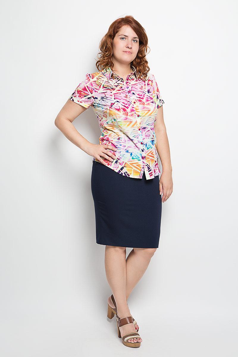 Блузка женская. 050416_1050416Женская блузка Milana Style, выполненная из мягкого и легкого материала, прекрасно дополнит ваш образ. Изделие тактильно приятное, не сковывает движения и хорошо вентилируется. Блузка с отложным воротником и короткими рукавами застегивается спереди на пуговицы. Модель имеет слегка приталенный силуэт. Оформлено изделие ярким красочным принтом. Такая блузка будет дарить вам комфорт в течение всего дня и станет стильным дополнением к вашему гардеробу!