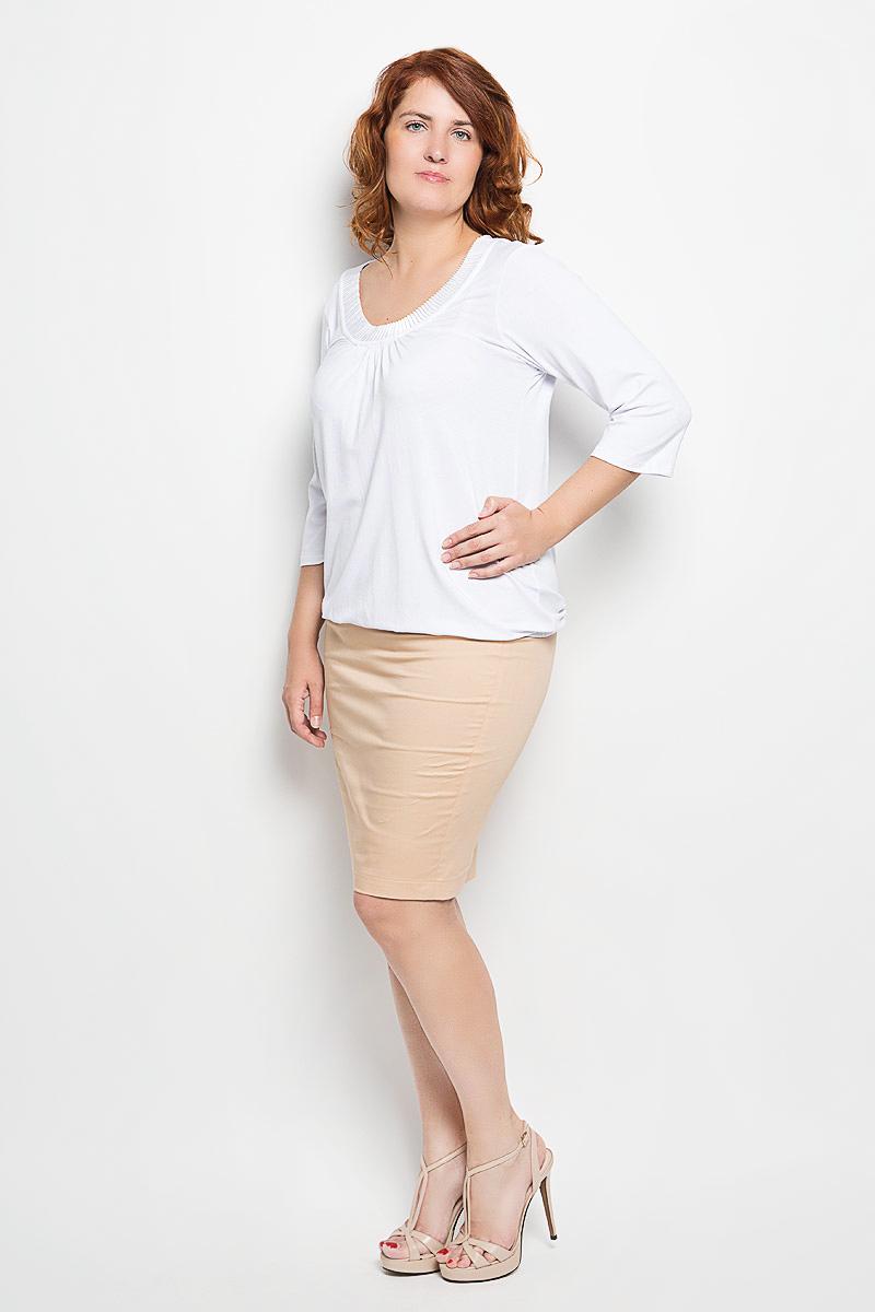Блузка женская. 5304053040Женская блузка Milana Style займет достойное место в вашем гардеробе. Модель выполнена из мягкой эластичной вискозы. Материал тактильно приятный, не сковывает движения и хорошо вентилируется. Блузка с круглым вырезом горловины и рукавами длиной 3/4 собрана по низу на эластичную резинку. Спереди вырез горловины дополнен вставкой из гофрированного материала. Лаконичный дизайн и совершенство стиля подчеркнут вашу индивидуальность!