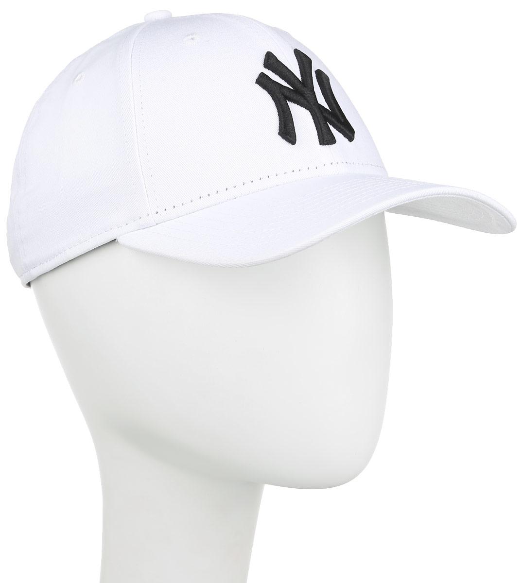 Бейсболка 9 Forty League Basic. 11074593-WHT11074593-WHTСтильная бейсболка New Era 9 Forty League Basic, выполненная из высококачественных материалов, идеально подойдет для прогулок, занятий спортом и отдыха. Изделие оформлено объемным вышитым логотипом знаменитой бейсбольной команды New York Yankees и логотипом бренда New Era. Она надежно защитит вас от солнца и ветра. Объем бейсболки регулируется металлическим фиксатором. Ничто не говорит о настоящем любителе путешествий больше, чем любимая кепка. Эта модель станет отличным аксессуаром и дополнит ваш повседневный образ.