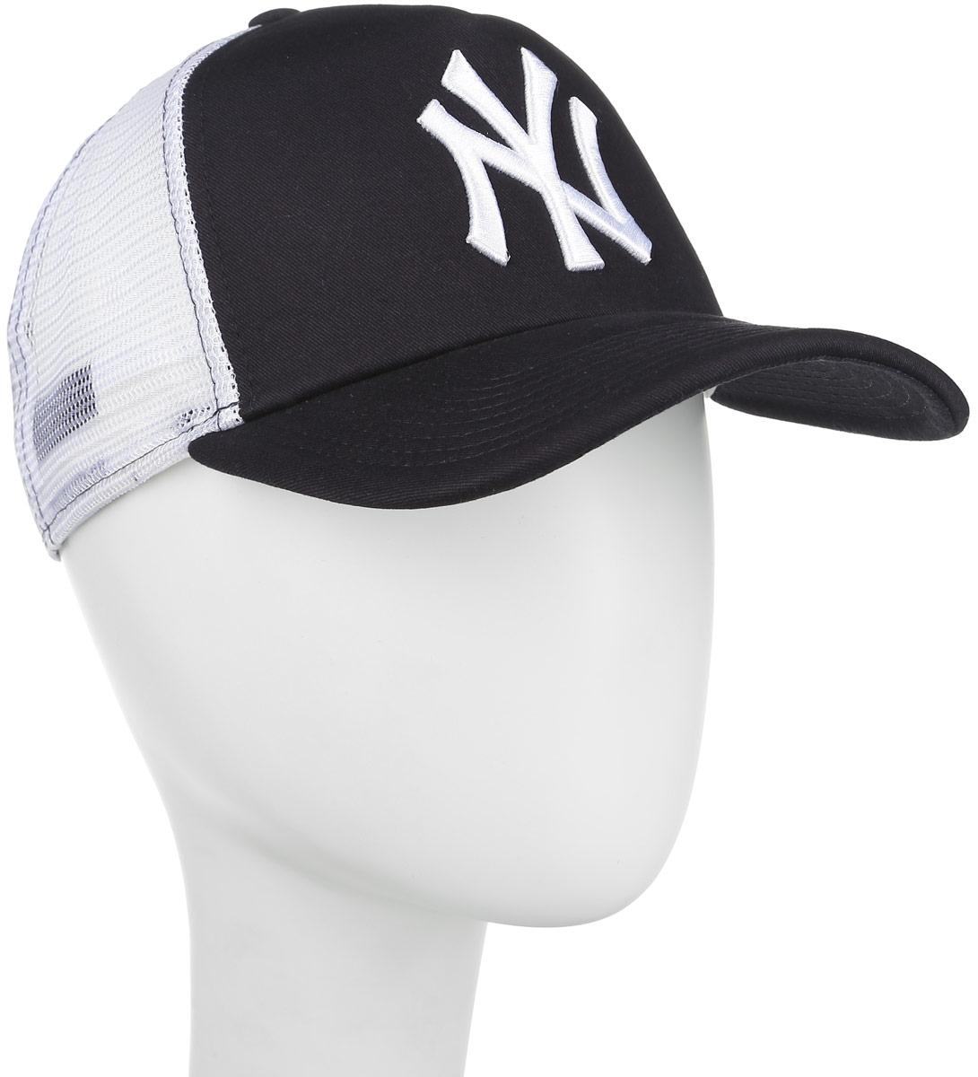 Бейсболка Nos MLB Clean Trucker. 11010656-NVY11010656-NVYСтильная бейсболка New Era Forty Flecked Trucker, выполненная из высококачественных материалов, идеально подойдет для прогулок, занятий спортом и отдыха. Изделие оформлено объемным вышитым логотипом знаменитой бейсбольной команды New York Yankees и логотипом бренда New Era. Бейсболка надежно защитит вас от солнца и ветра. Классическая кепка с сетчатой задней частью станет правильным выбором. Объем бейсболки регулируется пластиковым фиксатором. Ничто не говорит о настоящем любителе путешествий больше, чем любимая кепка. Эта модель станет отличным аксессуаром и дополнит ваш повседневный образ.