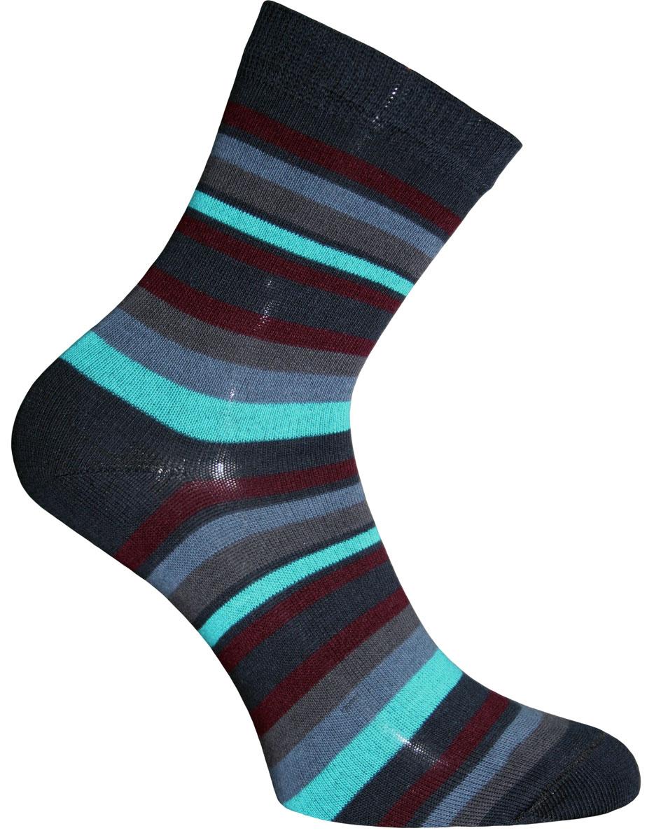 55002Удобные носки Master Socks, изготовленные из высококачественного комбинированного материала, очень мягкие и приятные на ощупь, позволяют коже дышать. Эластичная резинка плотно облегает ногу, не сдавливая ее, обеспечивая комфорт и удобство. Носки с паголенком классической длины оформлены принтом в полоску. Практичные и комфортные носки великолепно подойдут к любой вашей обуви.