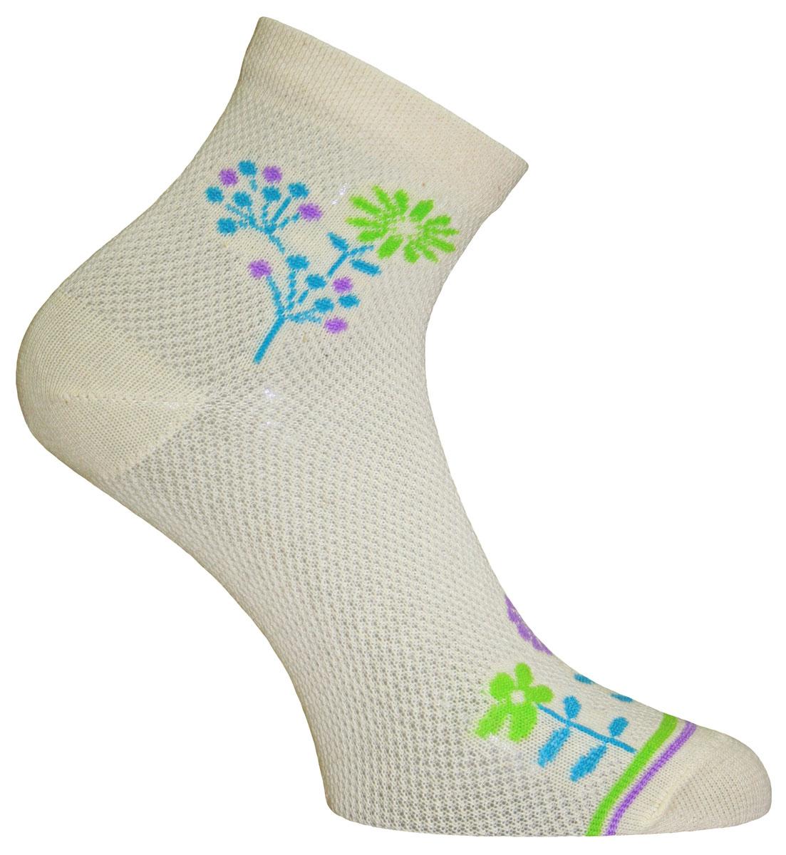 55011Удобные носки Master Socks, изготовленные из высококачественного комбинированного материала, очень мягкие и приятные на ощупь, позволяют коже дышать. Эластичная резинка плотно облегает ногу, не сдавливая ее, обеспечивая комфорт и удобство. Носки с паголенком классической длины оформлены оригинальным принтом в нижней и верхней частях носка. Практичные и комфортные носки великолепно подойдут к любой вашей обуви.