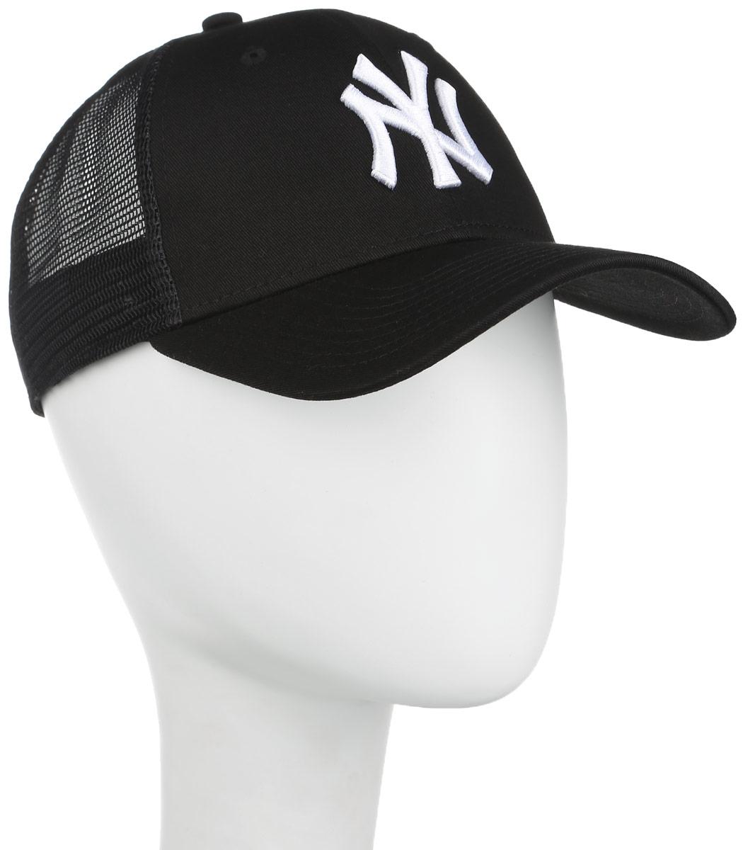 Бейсболка Core 9 Forty Trucker. 11210311-BLK112103011-BLKСтильная бейсболка Forty Flecked Trucker, выполненная из высококачественных материалов, идеально подойдет для прогулок, занятий спортом и отдыха. Изделие оформлено объемным вышитым логотипом знаменитой бейсбольной команды New York Yankees и логотипом бренда New Era. Бейсболка надежно защитит вас от солнца и ветра. Классическая кепка с сетчатой задней частью станет правильным выбором. Объем бейсболки регулируется пластиковым фиксатором. Ничто не говорит о настоящем любителе путешествий больше, чем любимая кепка. Эта модель станет отличным аксессуаром и дополнит ваш повседневный образ.