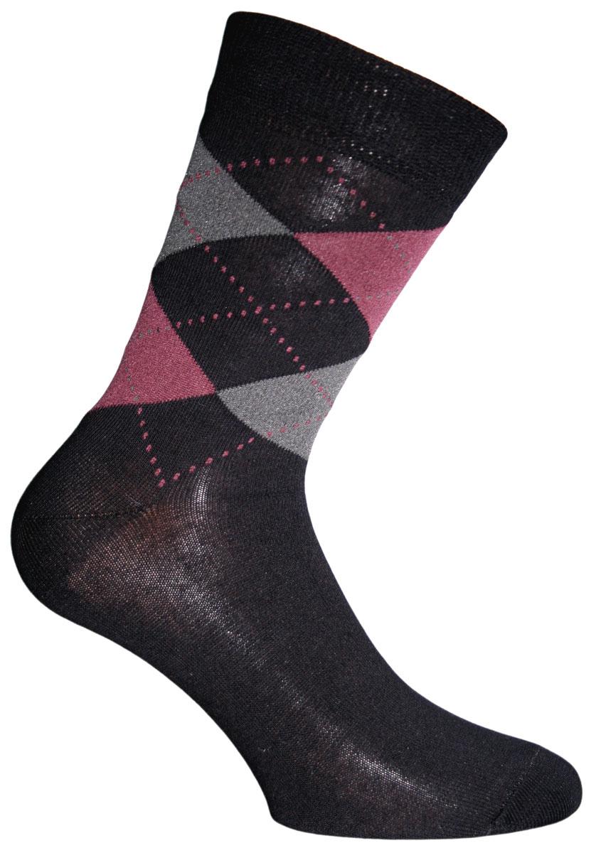 Носки мужские. 5803258032Удобные носки Master Socks, изготовленные из высококачественного комбинированного материала, очень мягкие и приятные на ощупь, позволяют коже дышать. Эластичная резинка плотно облегает ногу, не сдавливая ее, обеспечивая комфорт и удобство. Носки с паголенком классической длины оформлены орнаментом в ромбик. Практичные и комфортные носки великолепно подойдут к любой вашей обуви.