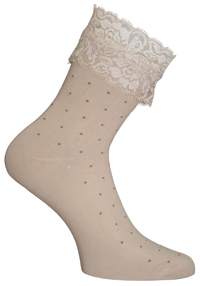 Носки85009Удобные носки Master Socks изготовлены из высококачественного комбинированного материала, оформленного принтом в горох. Эластичная резинка плотно облегает ногу, не сдавливая ее, обеспечивая комфорт и удобство. Носки с классическим паголенком декорированы вставкой из эластичного кружева.