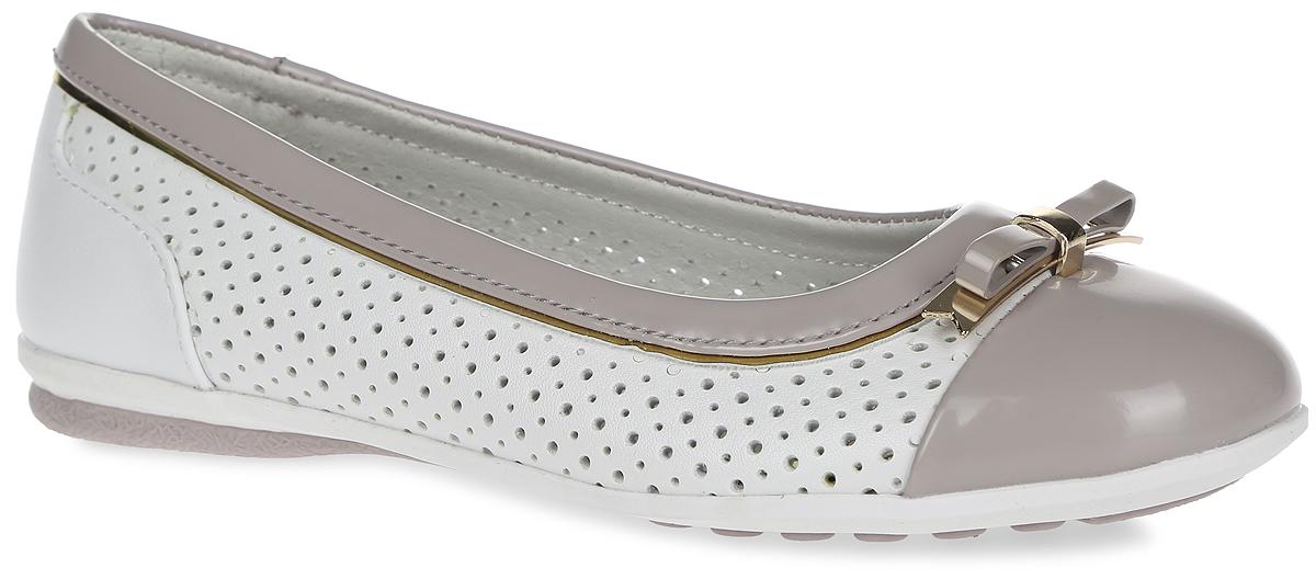 61-QT106Чудесные туфли от Flamingo придутся по душе вашей юной моднице! Модель изготовлена из искусственной кожи разной фактуры и дополнена по бокам перфорацией для лучшей воздухопроницаемости. Мыс оформлен небольшим металлическим бантиком. Подкладка, выполненная из натуральной кожи, предотвратит натирание и гарантирует уют. Стелька из ЭВА материала с верхним покрытием из натуральной кожи дополнена супинатором, который обеспечивает правильное положение ноги ребенка при ходьбе, предотвращает плоскостопие. Подошва оснащена рифлением для лучшего сцепления с различными поверхностями. Удобные туфли - незаменимая вещь в гардеробе каждой девочки.