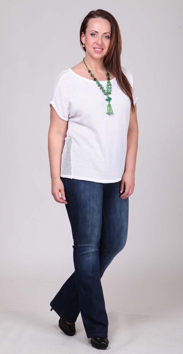 Джемпер106-411-003262-001_1158Легкий женский джемпер Milana Style изготовлен из ПАН-волокна и хлопка. Модель с круглым вырезом горловины и короткими цельнокроеными рукавами оформлена оригинальным вязаным узором.