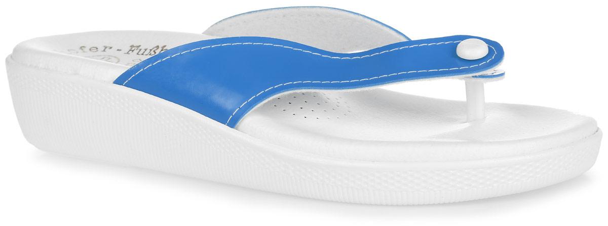 Пантолеты женские. ANJIANJIПантолеты от Spesita, выполненные из ПВХ - это превосходный вид обуви. Детально проработанная форма колодки и анатомическая стелька с супинатором обеспечат максимальный комфорт при носке. Подошва из материала ПВХ обладает гибкостью, износостойкостью, к тому же она не окрашивает поверхности пола (не чертит), благодаря чему данная модель идеально подходит для помещения. Рельефное основание подошвы обеспечивает уверенное сцепление с любой поверхностью. Пантолеты Spesita подарят чувство надежности и устойчивости на весь день, а также прекрасно дополнят образ.