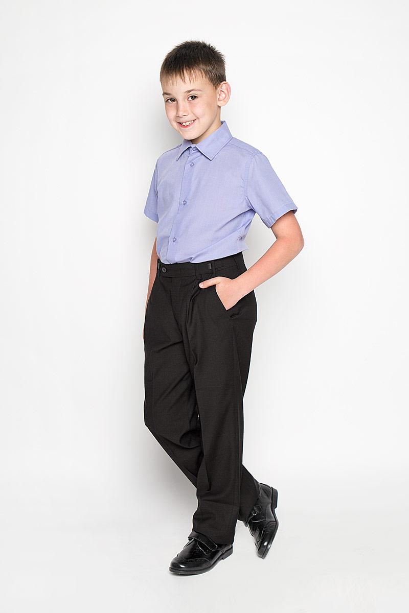 64202_OLB_вариант 1Рубашка для мальчика Orby School, выполненная из хлопка и полиэстера, отлично сочетается как с джинсами, так и с классическими брюками. Материал изделия мягкий и приятный на ощупь, не сковывает движения и обладает высокими дышащими свойствами. Рубашка с короткими рукавами и отложным воротником застегивается спереди на пуговицы по всей длине. Модель имеет слегка приталенный силуэт. Украшено изделие небольшим вышитым логотипом бренда. Современный дизайн и высокое качество исполнения принесут удовольствие от покупки и подарят отличное настроение!