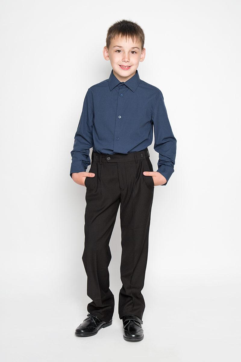 Рубашка для мальчика School. 64201_OLB64201_OLB_вариант 1Рубашка для мальчика Orby School, выполненная из хлопка и полиэстера, отлично сочетается как с джинсами, так и с классическими брюками. Материал изделия мягкий и приятный на ощупь, не сковывает движения и обладает высокими дышащими свойствами. Рубашка с длинными рукавами и отложным воротником застегивается спереди на пуговицы по всей длине. Модель имеет слегка приталенный силуэт. На манжетах также предусмотрены застежки-пуговицы. Украшено изделие небольшим вышитым логотипом бренда. Современный дизайн и высокое качество исполнения принесут удовольствие от покупки и подарят отличное настроение!