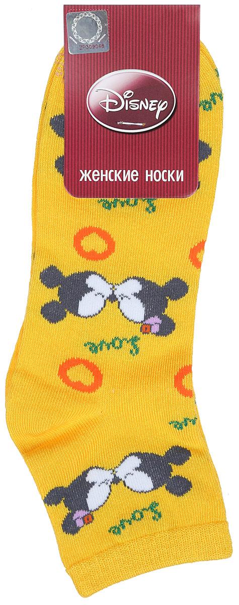 Носки женские Disney. 1586115861Удобные укороченные носки Master Socks, изготовленные из высококачественного комбинированного материала, очень мягкие и приятные на ощупь, позволяют коже дышать. Эластичная резинка плотно облегает ногу, не сдавливая ее, обеспечивая комфорт и удобство. Носки оформлены принтом с изображением героев мультфильма. Практичные и комфортные носки великолепно подойдут к любой вашей обуви.