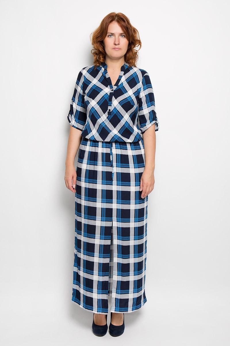 Платье130416Оригинальное платье Milana Style станет ярким и стильным дополнением к вашему гардеробу. Изделие выполнено из вискозы с добавлением полиамида и эластана, приятное к телу, не сковывает движения и хорошо вентилируется. Модель с V-образным вырезом горловины и короткими рукавами спереди застегивается на три пуговицы. Низ рукавов дополнен небольшим хлястиком на пуговице, а линия талии шнурком на кулиске. Платье-макси оформлено принтом в клетку. Такое платье поможет создать яркий и привлекательный образ, в нем вам будет удобно и комфортно.