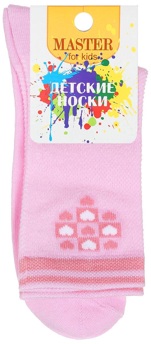 Носки детские. 52055_квадраты, сердечки52055Удобные носки Master Socks, изготовленные из высококачественного комбинированного материала, очень мягкие и приятные на ощупь, позволяют коже дышать. Эластичная резинка плотно облегает ногу, не сдавливая ее, обеспечивая комфорт и удобство. Носки с паголенком классической длины и оформлены принтом в виде квадратиков и сердечек контрастного цвета. Практичные и комфортные носки великолепно подойдут к любой вашей обуви.