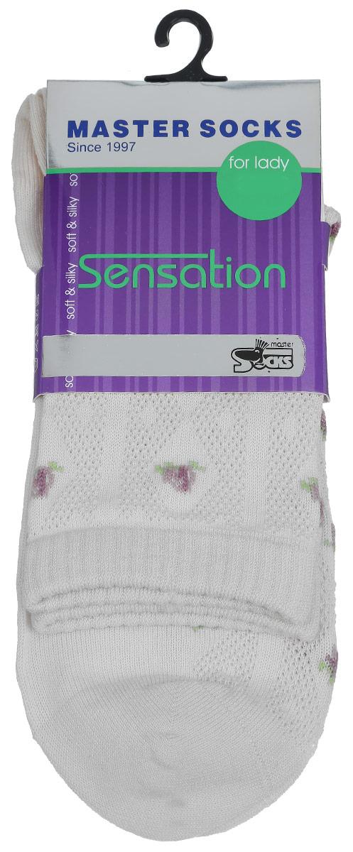 Носки женские Sensation. 8570285702Удобные носки Master Socks, изготовленные из высококачественного комбинированного материала, очень мягкие и приятные на ощупь, позволяют коже дышать. Эластичная резинка плотно облегает ногу, не сдавливая ее, обеспечивая комфорт и удобство. Носки оформлены полупрозрачным орнаментом. Практичные и комфортные носки великолепно подойдут к любой вашей обуви.