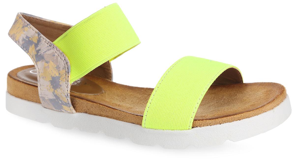 01-116-030Модные сандалии от MakFly не оставят равнодушной вашу девочку! Модель изготовлена из комбинации искусственной кожи и текстиля. Пяточный ремешок, дополненный эластичной вставкой, надежно зафиксирует обувь на ноге. Приятная на ощупь стелька из искусственной кожи обеспечит комфорт при движении. Подошва с рифлением обеспечивает отличное сцепление с поверхностью. Практичные и стильные сандалии займут достойное место в гардеробе вашей девочки.
