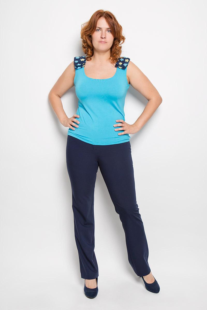 Брюки женские. 4031640316Женские брюки Milana Style, выполненные из хлопка с добавлением полиамида, прекрасно дополнят ваш образ. Материал легкий, мягкий и приятный на ощупь, не сковывает движения, позволяет коже дышать. Брюки прямого кроя и стандартной посадки на поясе застегиваются на пуговицу и имеют ширинку на застежке-молнии. Такая модель брюк будет дарить вам комфорт в течение всего дня и станет отличным дополнением к вашему гардеробу.