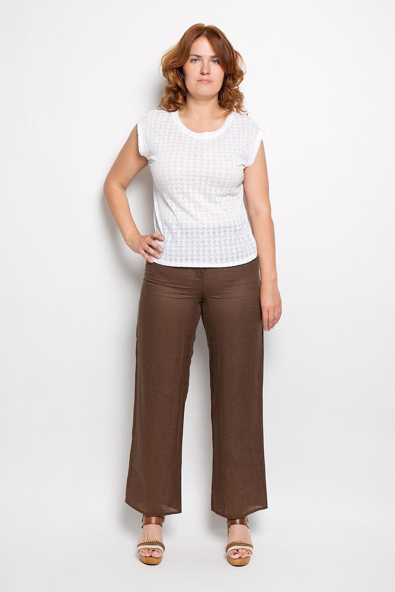 Брюки женские. 15-05-06110-125-010011-051_15-05-06Женские брюки Milana Style, выполненные из натурального льна, прекрасно дополнят ваш образ. Материал легкий, мягкий и приятный на ощупь, не сковывает движения, позволяет коже дышать. Брюки прямого кроя и стандартной посадки на поясе застегиваются на пуговицу и имеют ширинку на застежке-молнии. Модель оснащена шлевками для ремня. Такая модель брюк будет дарить вам комфорт в течение всего дня и станет отличным дополнением к вашему гардеробу.